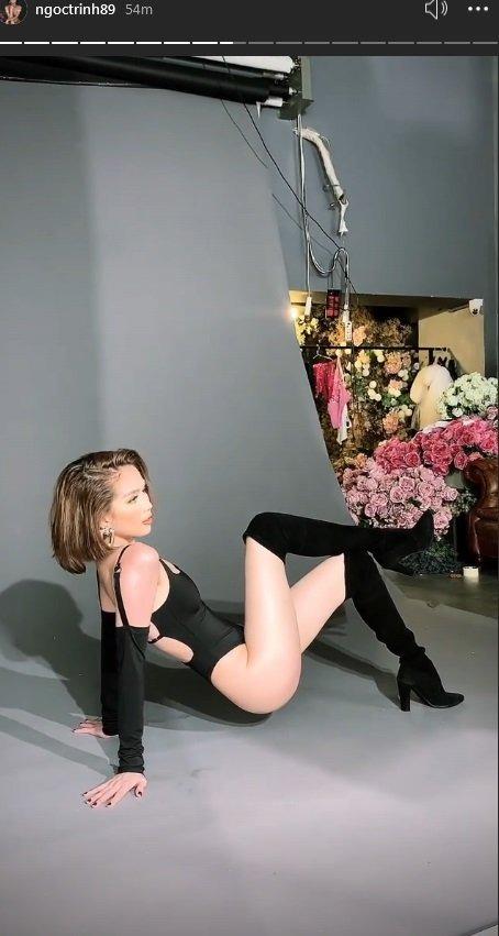 Cùng khoe hậu trường chụp Bikini, H'Hen Niê ăn đứt Ngọc Trinh ở điểm này? - Hình 3