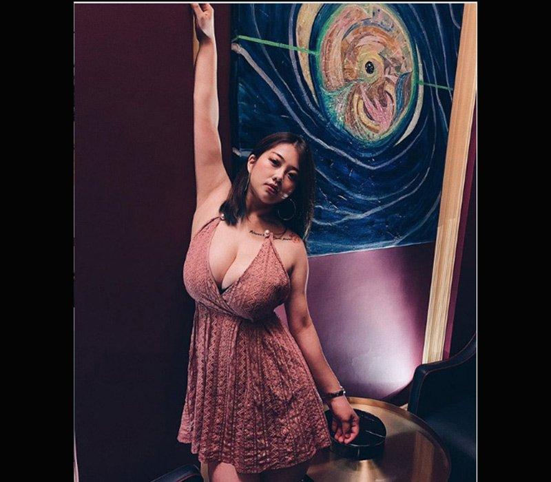 Hot girl bịt mặt vẫn làm người đi đường ngoái nhìn vì vòng ngực gần 150 cm - Hình 14
