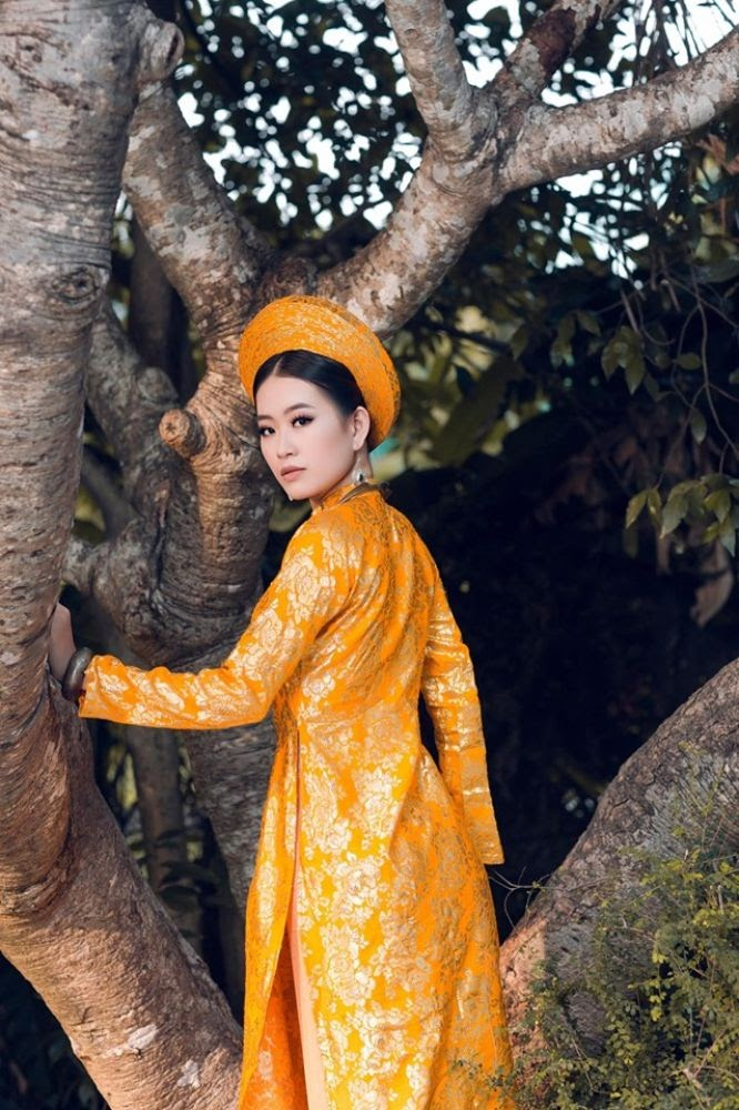 Á khôi Thạch Thảo sang trọng, quyền quý trong áo dài của NTK Việt Hùng - Hình 10