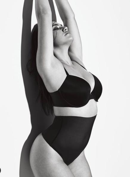 Ba vòng nảy lửa của mẫu ngoại cỡ 9x Lorena Duran - Hình 8