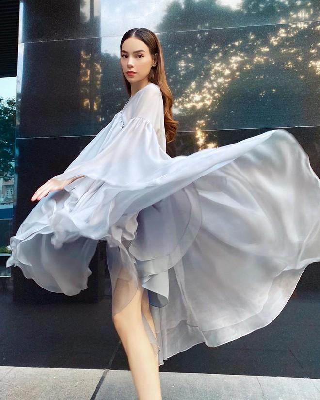 May váy rộng khiến Hà Hồ vướng tin đồn bầu bí - Hình 2