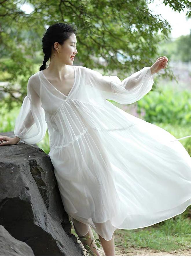 May váy rộng khiến Hà Hồ vướng tin đồn bầu bí - Hình 7