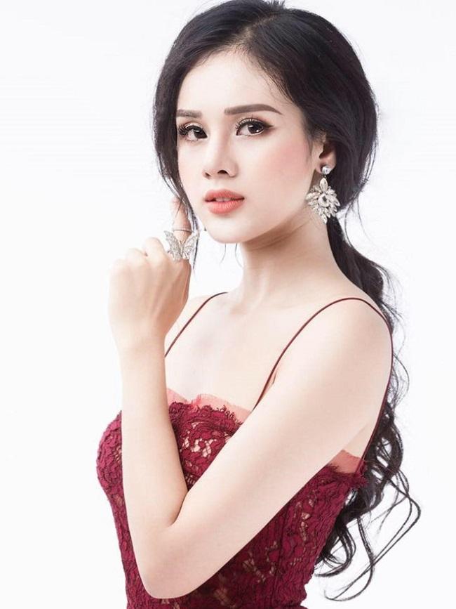 Miền gái đẹp Quảng Ninh: Vùng đất cung tần mỹ nữ sản sinh toàn nhan sắc mỹ miều - Hình 19