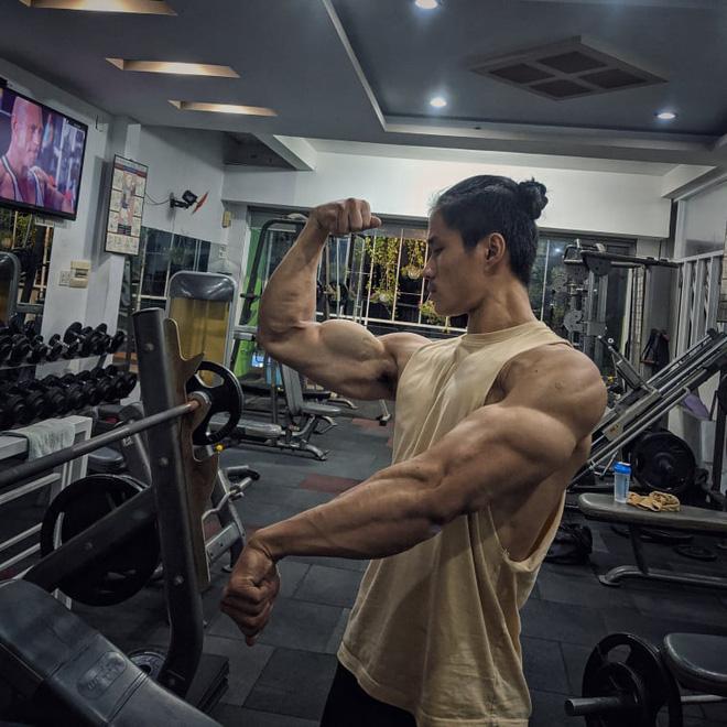 Thanh niên da bọc xương lột xác thành trai cơ bắp nhờ tăng 20kg trong một năm: Còn ai đòi gầy để đẹp nữa không? - Hình 4