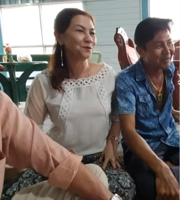 Cô dâu 65 tuổi thừa nhận người đàn ông lăng nhục mình trước đó chính là chồng cũ - Hình 2