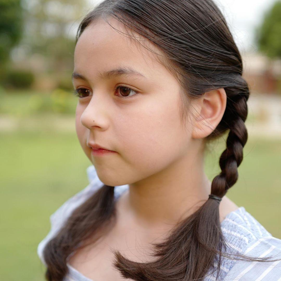 Bé gái lai từng được ca ngợi xinh nhất Thái Lan, nhan sắc sau 6 năm nổi tiếng giờ thế nào? - Hình 21