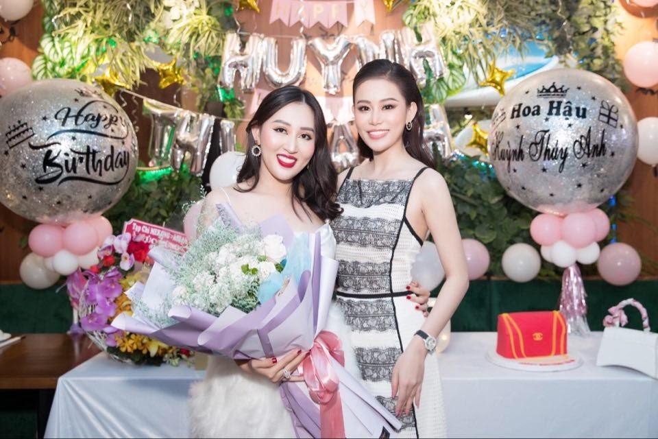 Dàn hoa hậu hội ngộ, khoe nhan sắc rạng rỡ mừng sinh nhật hoa hậu Huỳnh Thúy Anh - Hình 12