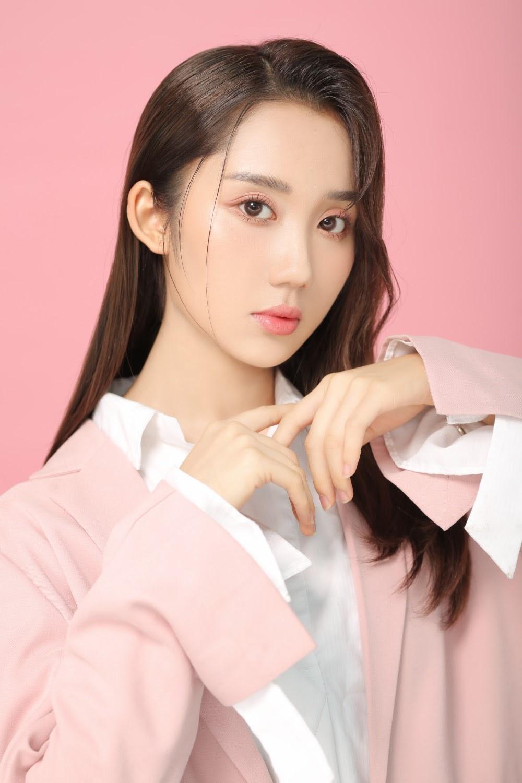 Đang là hot streamer, Mina Young ấp ủ con đường âm nhạc chuyên nghiệp - Hình 5