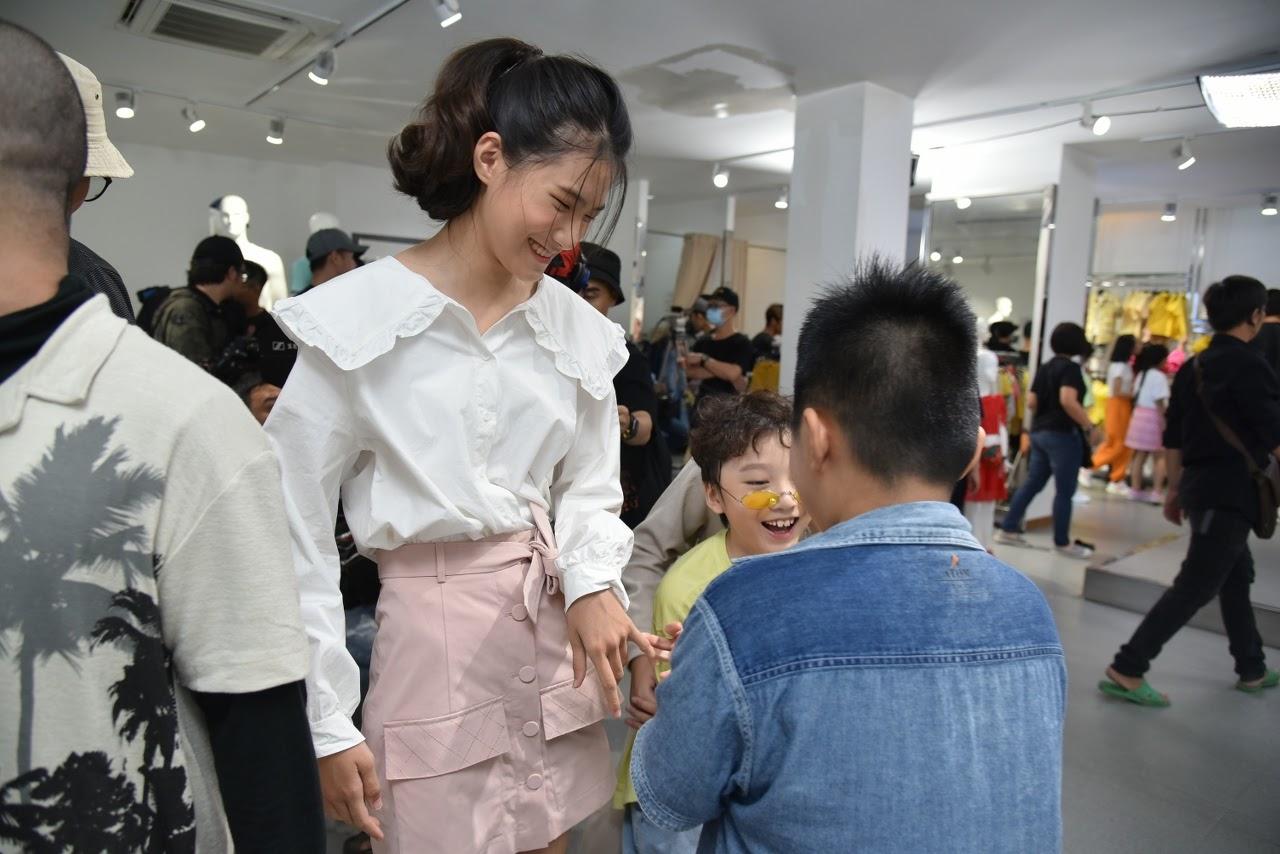 Hoa hậu Hương Giang 'gây sóng gió' khi xuất hiện trong tập 5 'Nhà thiết kế tương lai nhí' - Hình 11