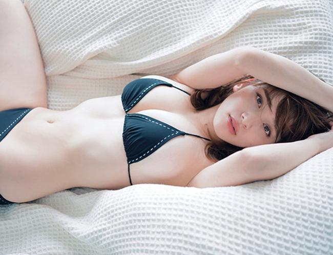 2 người đàn bà được khao khát nhất Nhật Bản đẹp như giấc mơ, mặc gì cũng quyến rũ - Hình 15