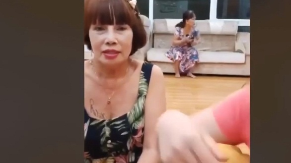 Động thái bất ngờ của vợ chồng cô dâu 65 tuổi ở Đồng Nai và chú rể 24 tuổi sau ồn ào bạo hành nhiều lần - Hình 3
