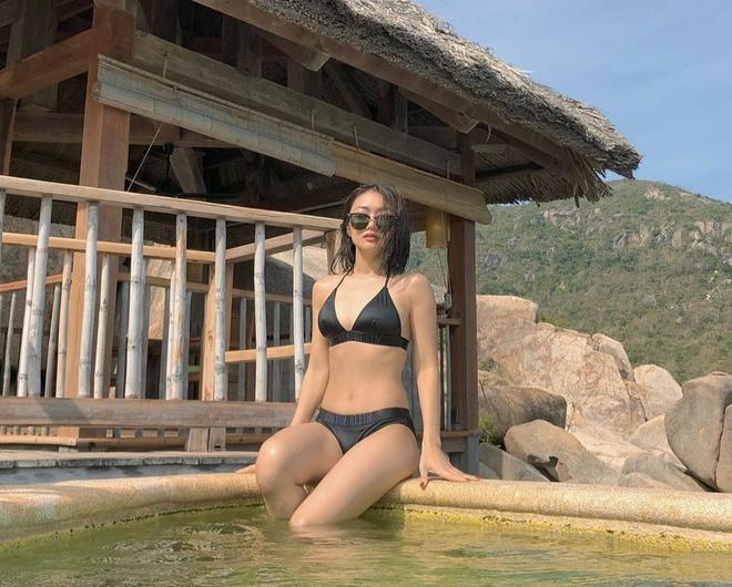 Salim diện bikini hồng, Trang Phạm khoe eo thon với đồ bơi hai mảnh - Hình 4