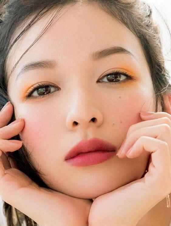 Bí quyết giữ đôi mắt biếc trong ngần không thâm quầng - Hình 5