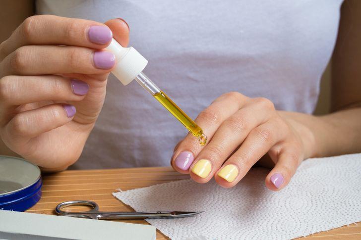 Những điều nguy hiểm thợ làm móng tay sẽ không bao giờ chia sẻ với khách hàng - Hình 8