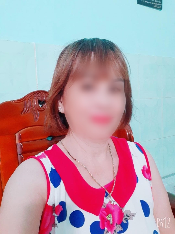 Cô dâu 65 tuổi lại gây bất ngờ khi tố bạn thân có ý cướp chồng trẻ - Hình 8