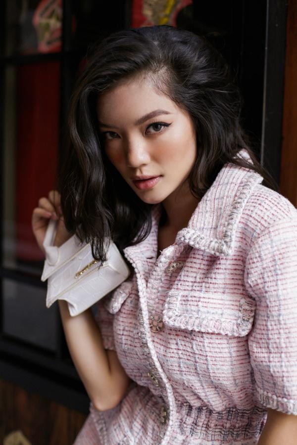 Nàng thơ mới của làng mốt Việt khoe eo thon với loạt váy áo rực rỡ - Hình 4