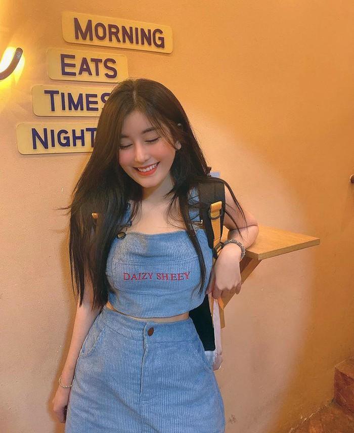 Vừa vào hè, hot girl Sài thành khoe vòng eo siêu thực gây sốt - Hình 11