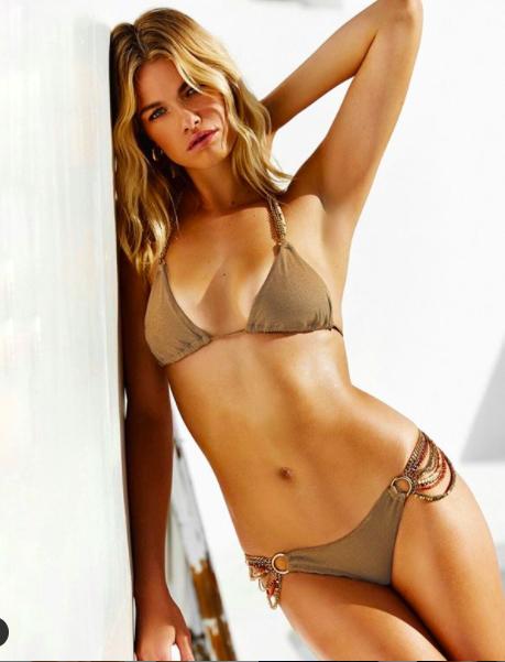 Nàng mẫu cao 1m80 Hailey Clauson gợi cảm gây mê với bikini trắng bé xíu - Hình 5