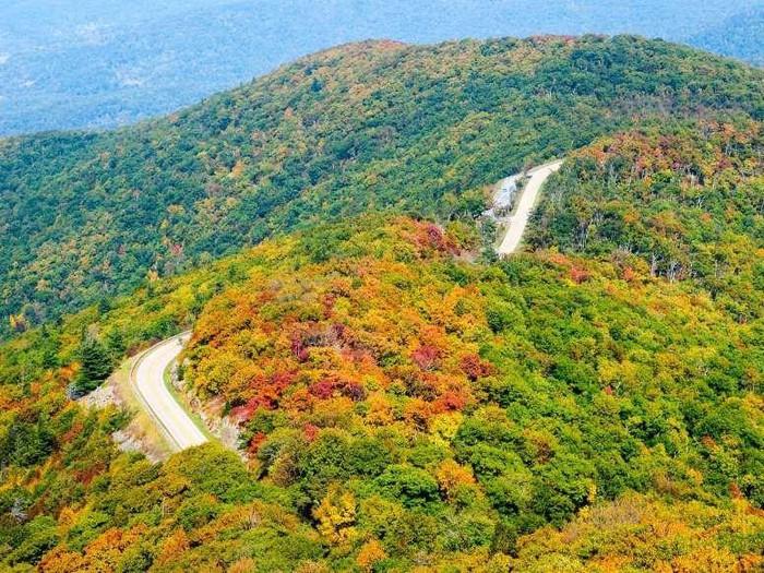 Ngất ngây, 10 thung lũng đẹp kỳ ảo đến khó tin - Hình 3