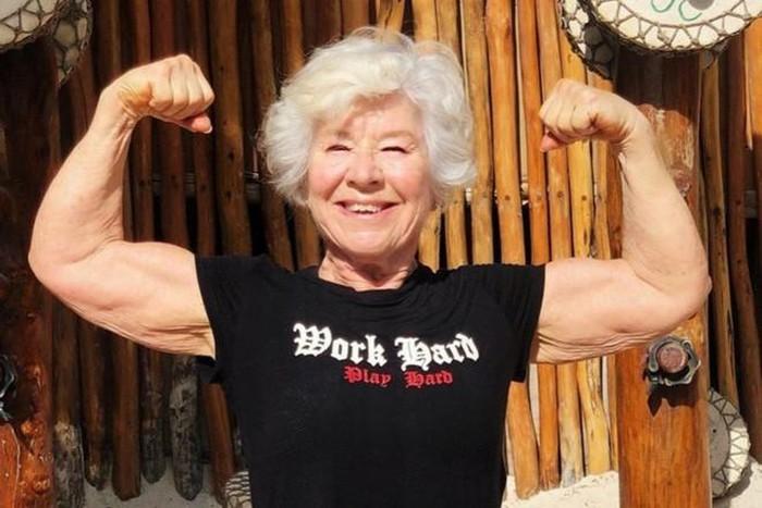 Ở tuổi U70, cụ bà sở hữu cơ bắp cuồn cuộn nhờ điều này - Hình 8