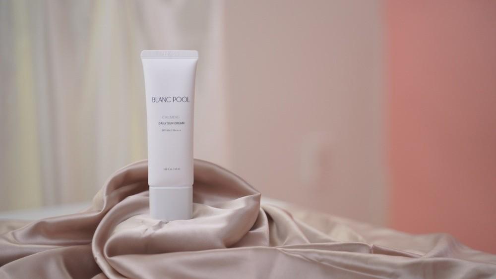 4 loại mỹ phẩm tuyệt đối không thể thiếu cho làn da của bạn - Hình 1