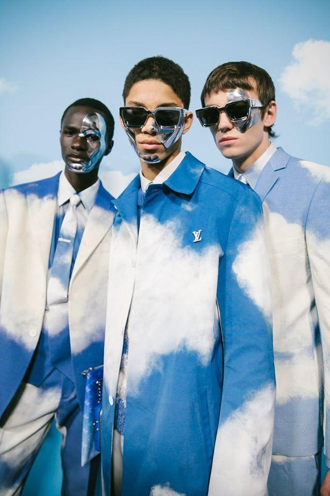Hãng Louis Vuitton đưa người mẫu lên thiên đường? - Hình 5