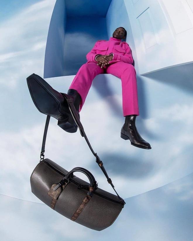 Hãng Louis Vuitton đưa người mẫu lên thiên đường? - Hình 4