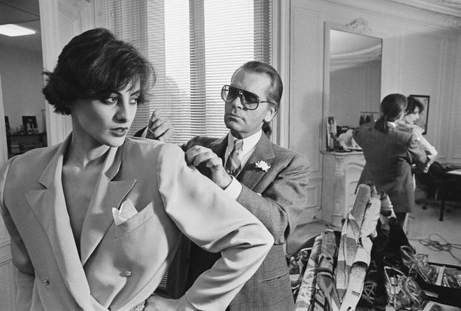 Người mẫu độc quyền đầu tiên của Chanel giờ ra sao? - Hình 2