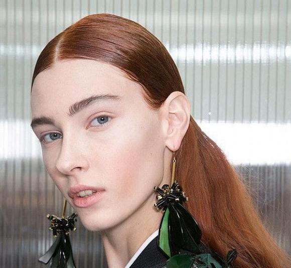 Với những phụ nữ có chân tóc cao, đừng nghĩ đến 3 kiểu tóc nữ thần này, sẽ dễ phá hỏng khí chất của bạn - Hình 4
