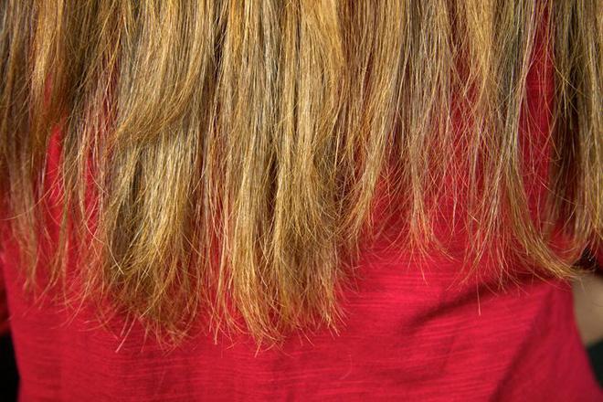 Dừng ngay thói quen buộc gọn tóc khi ngủ bởi nó có thể gây ra 2 vấn đề sức khỏe vô cùng tai hại - Hình 3