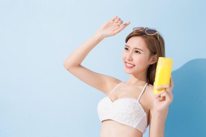 Dùng kem chống nắng bao nhiêu năm mà nhiều bạn gái không biết 7 mẹo này thì quả là uổng phí - Hình 2