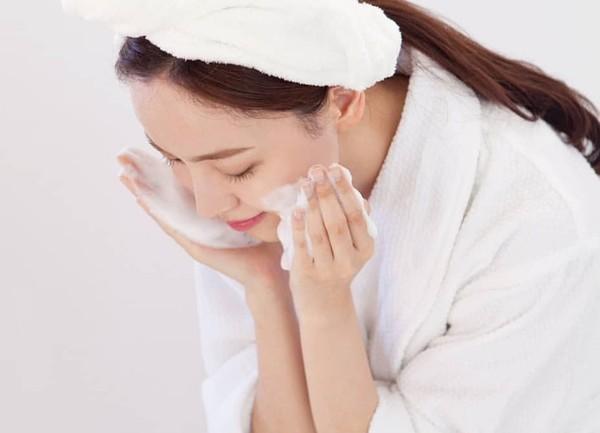 Nên - không nên khi làm sạch da mỗi ngày theo cách của chuyên gia Nhật - Hình 4