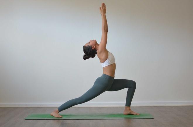 5 động tác yoga giúp vòng một săn chắc - Hình 1