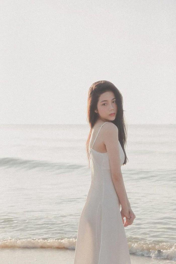 Khoe vóc dáng đốt mắt, hot girl Sài thành nhận ngay triệu like - Hình 5