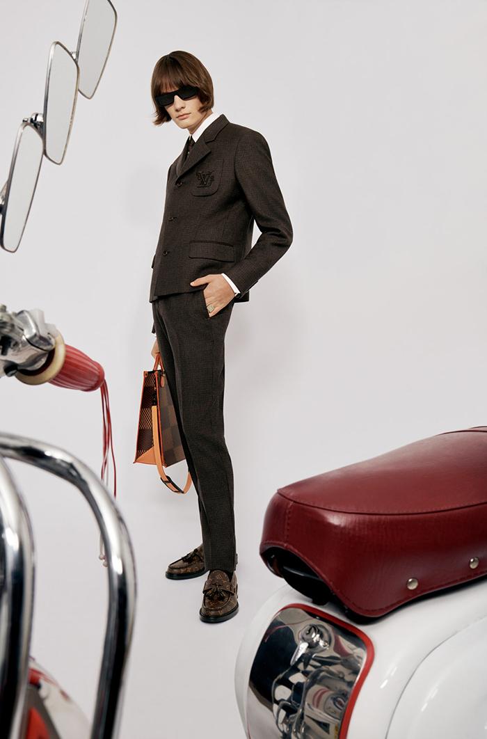 LV2 - cú bắt tay của Louis Vuitton với Nigo - Hình 2