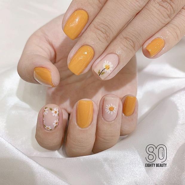 12 mẫu nail xinh yêu chuẩn trend mùa thu, chị em mau bung lụa để có bàn tay sang chảnh - Hình 10