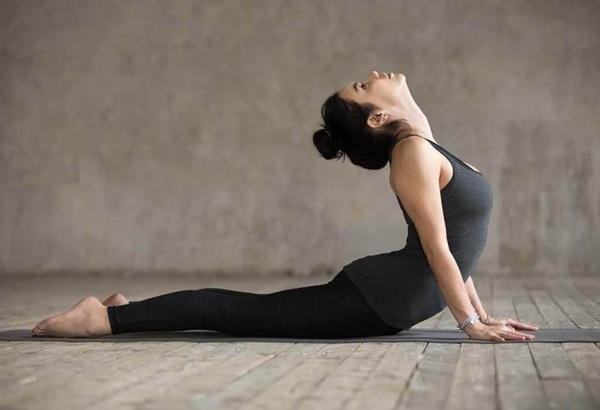 Dù có cứng đầu đến đâu mỡ bụng cũng biến mất với những bài tập yoga tại nhà - Hình 2