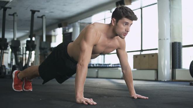 5 bài tập tại nhà giúp nam giới có thân hình săn chắc - Hình 4