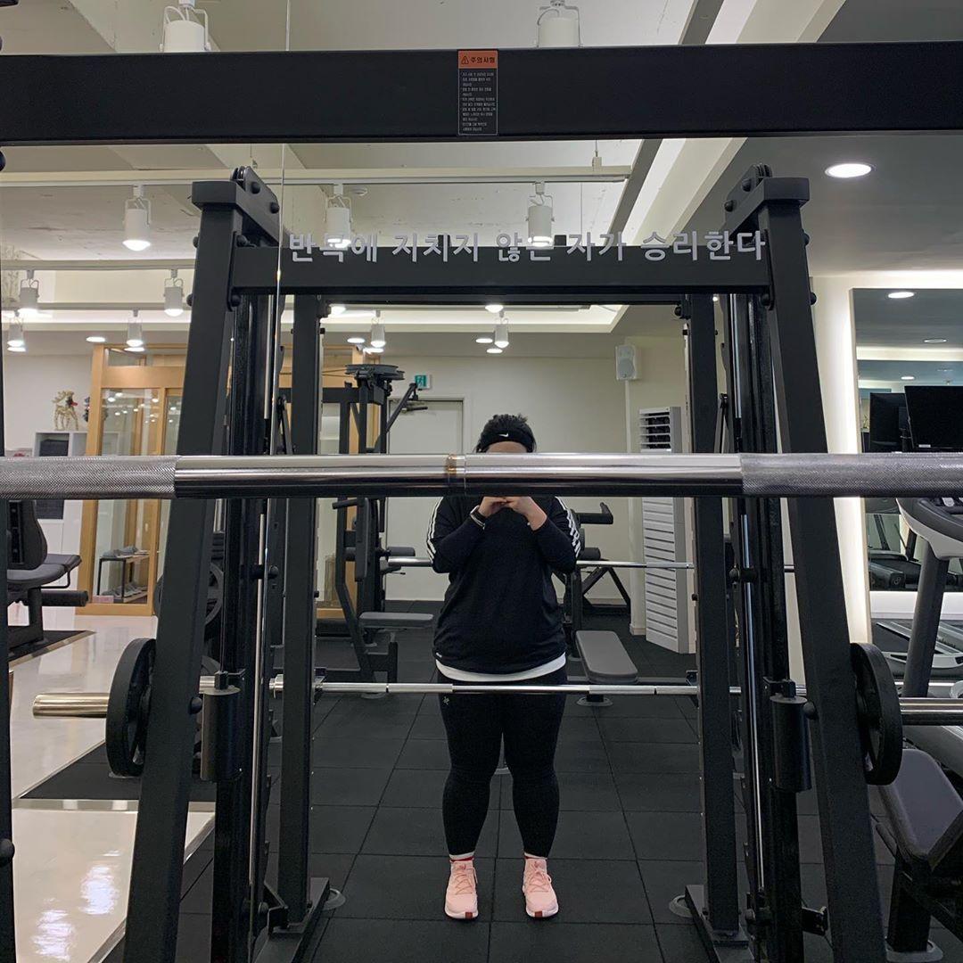 Cô gái Hàn cao 3m bẻ đôi, nặng gần 100kg vất vả giảm cân để xinh đẹp - Hình 6