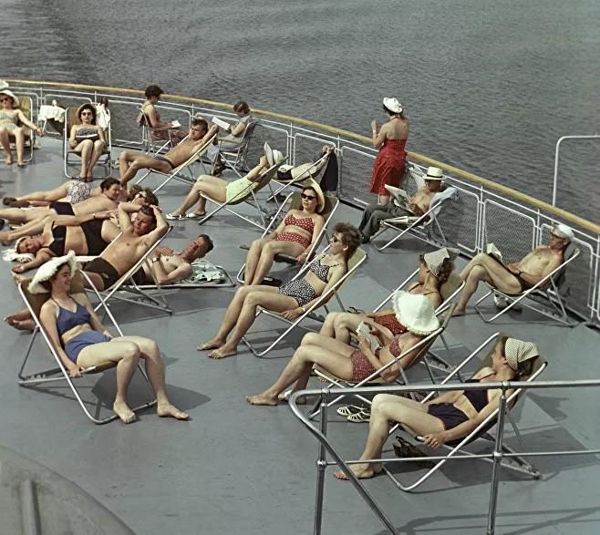 Ảnh: Phụ nữ Liên Xô từ rất sớm đã không lạ lẫm gì với bikini - Hình 14