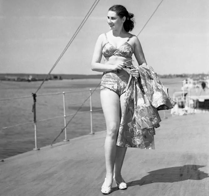 Ảnh: Phụ nữ Liên Xô từ rất sớm đã không lạ lẫm gì với bikini - Hình 15