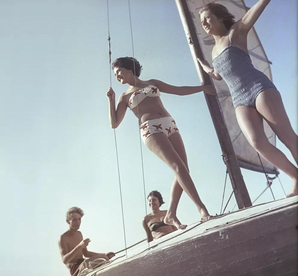 Ảnh: Phụ nữ Liên Xô từ rất sớm đã không lạ lẫm gì với bikini - Hình 1