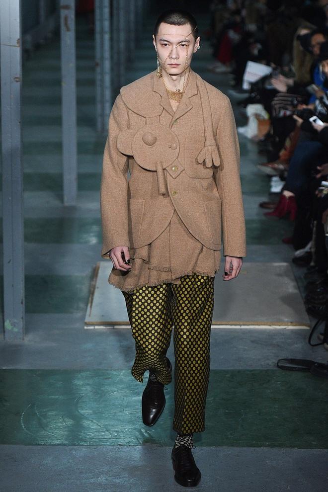 Louis Vuitton bị nhà thiết kế Bỉ tố đạo nhái ý tưởng - Hình 4