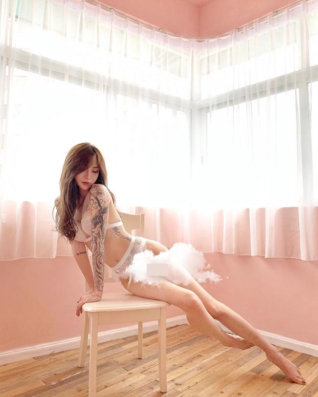 3 hot girl xăm mình châu Á nổi tiếng nhờ hình xăm vị trí nữ tính nhất cơ thể - Hình 12
