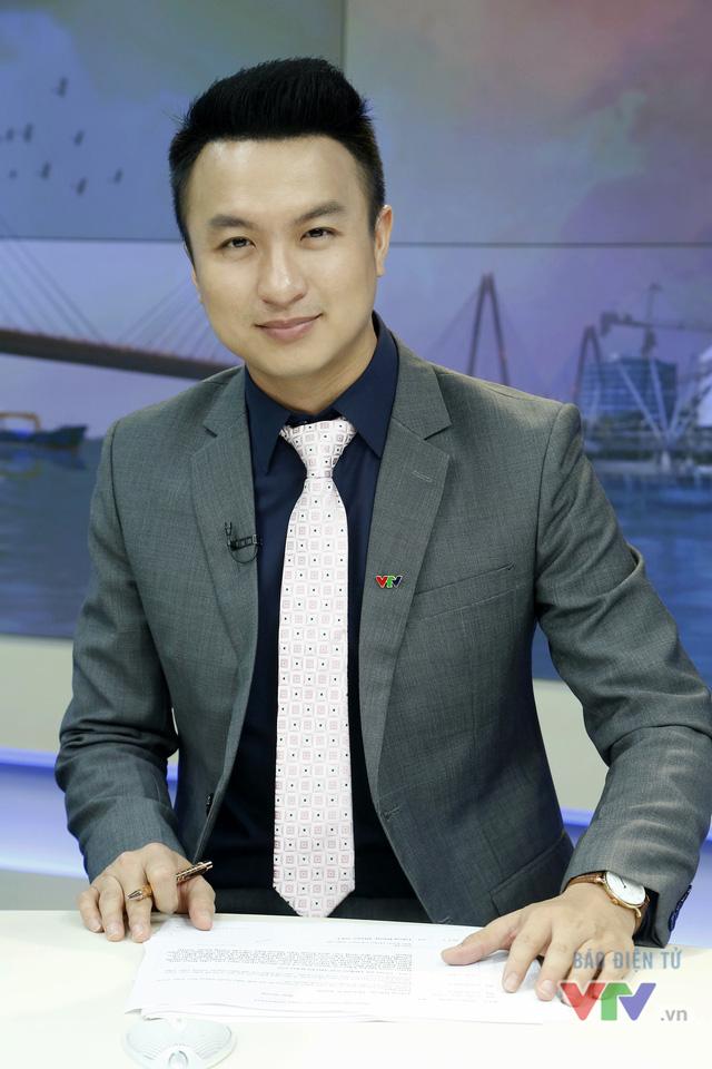 BIẾN CĂNG: Hương Giang bị MC đài VTV đá xéo : Dù gì cũng là một nam nhân chuyển giới - Hình 11