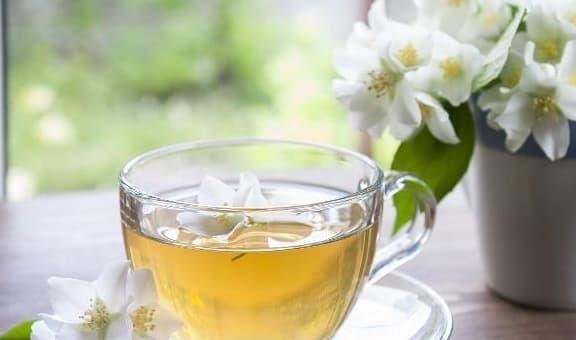 Phụ nữ không muốn già nhanh, uống 3 loại trà này thường xuyên sẽ giúp da trắng sáng và mềm mại hơn! - Hình 1