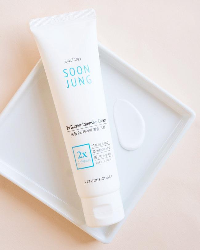 5 loại kem dưỡng ẩm giá tốt đem đến làn da đúng chuẩn căng mướt mà nhìn không bị bóng dầu - Hình 4
