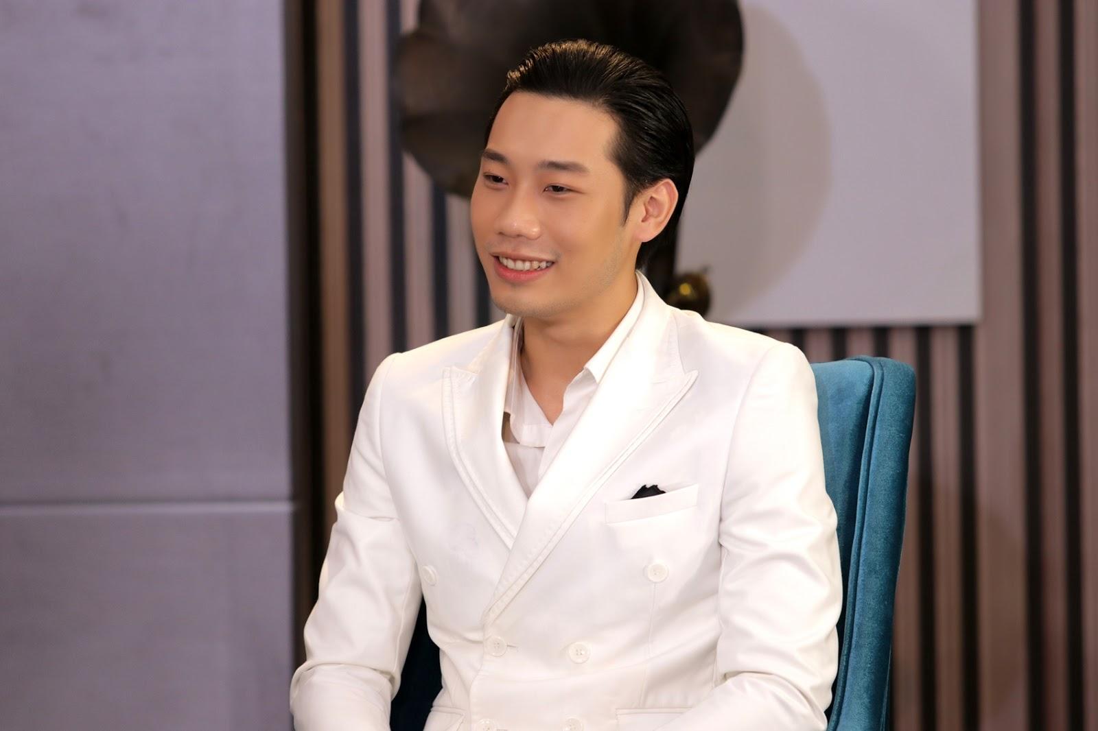 Đạo diễn Lê Hoàng sửng sốt với giá đi ăn tối hàng ngàn USD của dàn người mẫu, diễn viên - Hình 6