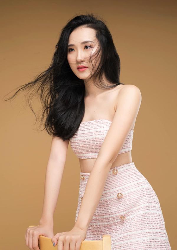 Xuất hiện thí sinh HHVN 2020 có gương mặt hao hao Lưu Diệc Phi, được Hoa hậu Lương Thùy Linh khen lấy khen để - Hình 6