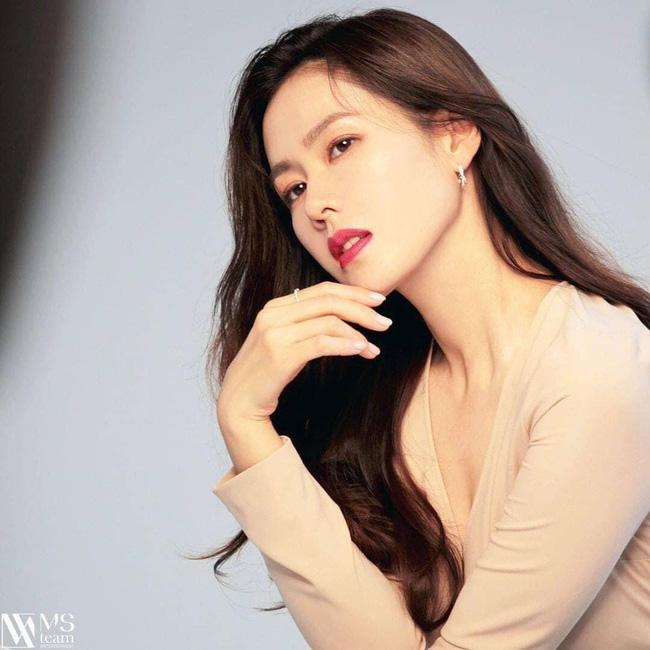 Bất ngờ với BXH nữ diễn viên Hàn Quốc đẹp nhất 2020: Son Ye Jin xuất sắc với vị trí đầu tiên, Song Hye Kyo vắng mặt trong top 5 - Hình 2